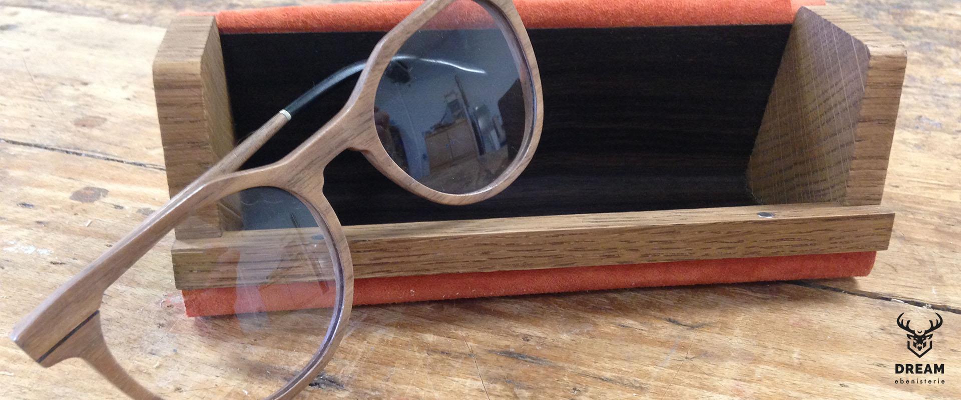 lunettes en bois- ecrin-noyer-ebene-cuir
